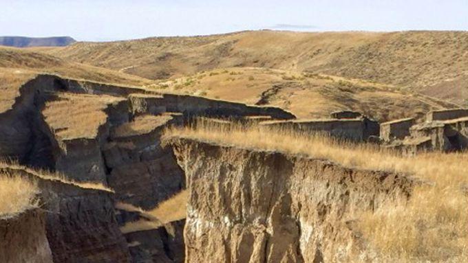 Гігантську тріщину в Арізоні зняли на відео (ВІДЕО)