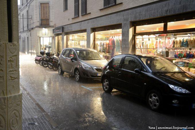 У турецькому Бодрумі злива викликала повінь (ВІДЕО)