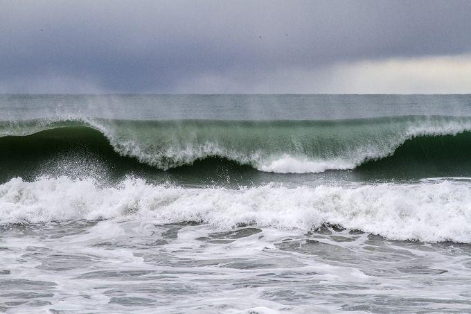 Чорне і Азовське моря штормитиме 24-25 жовтня