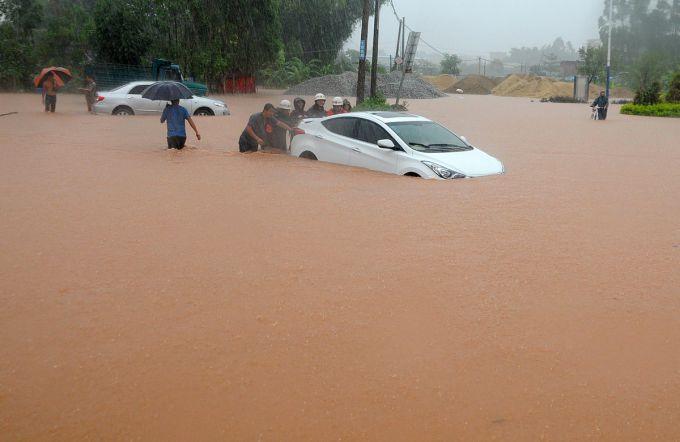 Бразилія: передмістя Сан- Паулу пішло під воду (ВІДЕО)