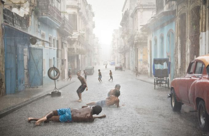 Тропічна злива на Кубі забрала життя двох людей