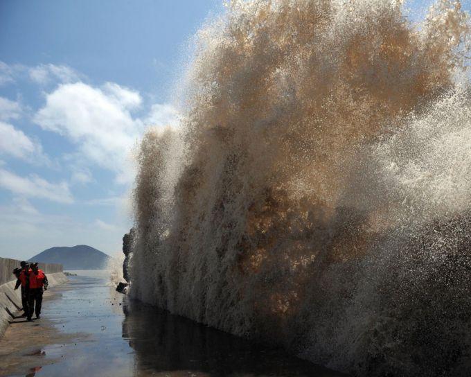 На Філіппіни наближається потужний тайфун з Тихого Океану