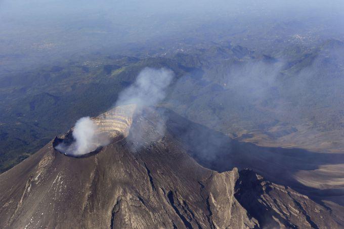 В Перу прокинувся вулкан (ВІДЕО)