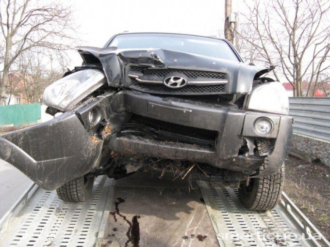 Жінка за кермом Hyundai розбилась у аварії з Mercedes
