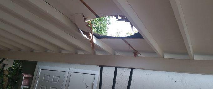 Метеорит пробив дах будинку в Індонезії