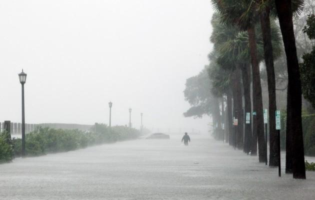 15420117-foto-posledstvij-uragana-metyu-v-charls.jpg (40.53 Kb)