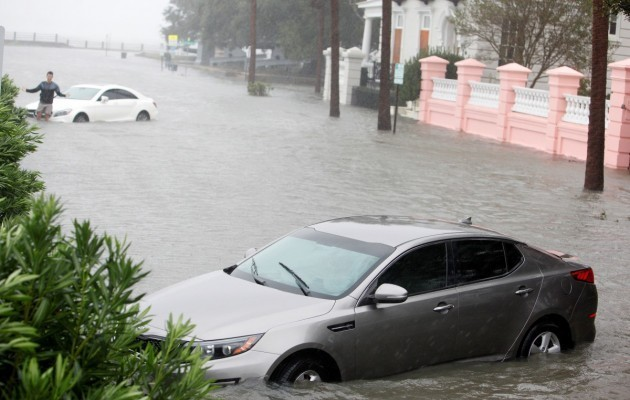 15420127-foto-posledstvij-uragana-metyu-v-charls.jpg (65.65 Kb)