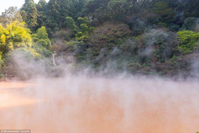 16081083-geotermalnye-istochniki-v-beppu-okruzhe.jpg (.19 Kb)