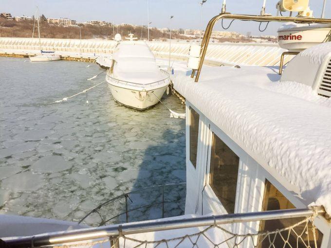 Чорне море покрилося льодом вперше за 60 років (ВІДЕО)