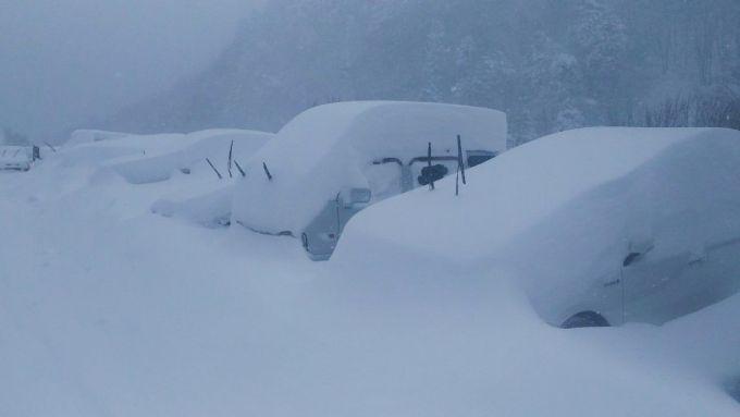 Сильні снігопади обрушилися на Японію (ВІДЕО)