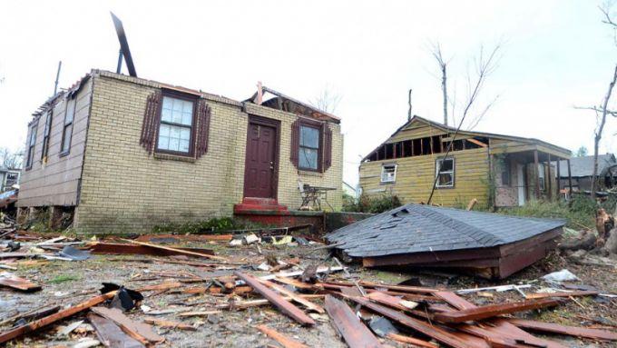 2000_16384799-moschnejshij-tornado-v-ssha-unes-zhizni.jpg (56.98 Kb)