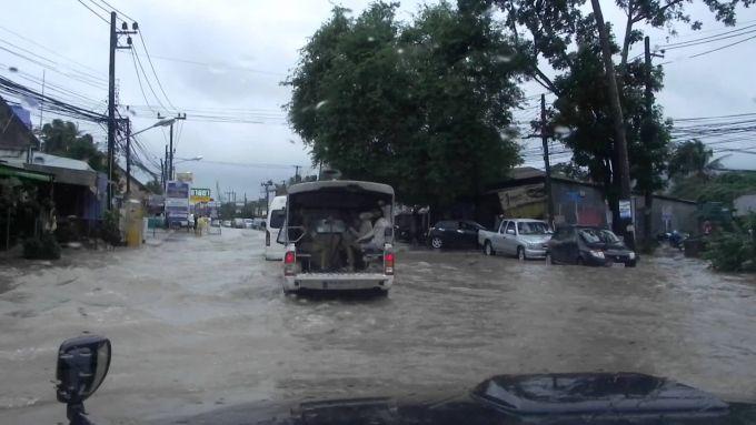 У Таїланді шторм пошкодив 400 будинків