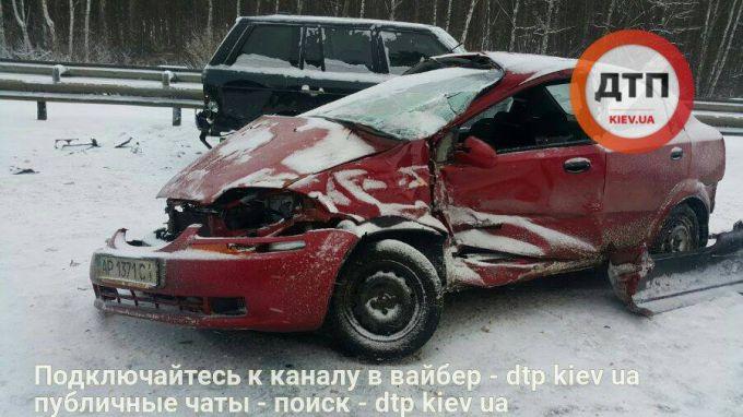 2473_16254769-masshtabnoe-dtp-na-borispolskoj-trasse-.jpg (.81 Kb)