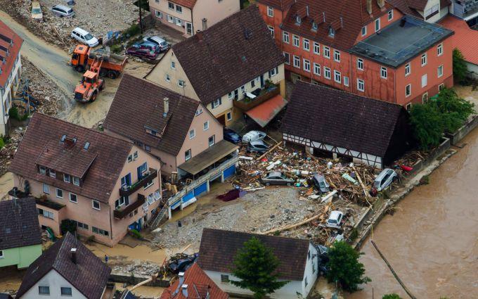Страшна повінь в Німеччині: північ країни пішов під воду (ВІДЕО)