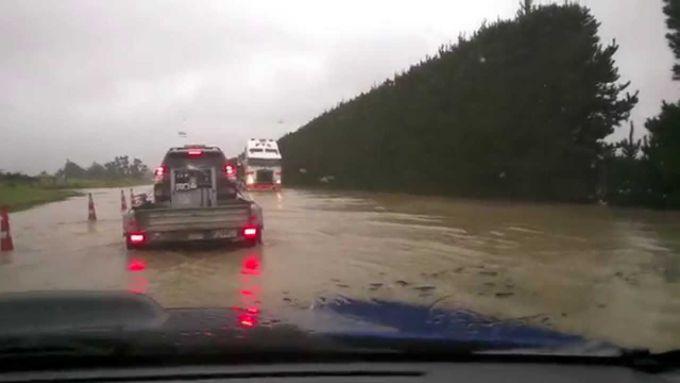 Нову Зеландію захлеснула повінь (ВІДЕО)