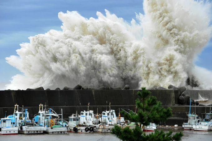 На Хоккайдо і Курильські острови рухається тайфун (ВІДЕО)