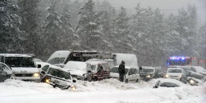 В американському штаті Мічигані зіткнулися майже 200 автомобілів