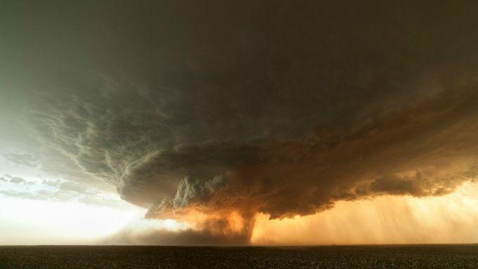 Торнадо в Техасі забрав ванну з літньою жінкою
