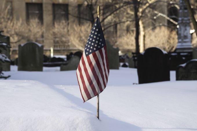 США засипає снігом