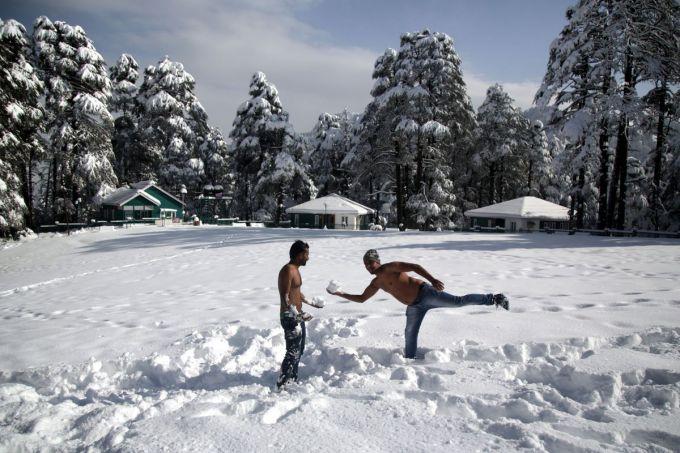 В Індії рекордний мороз та снігопад (ФОТО)