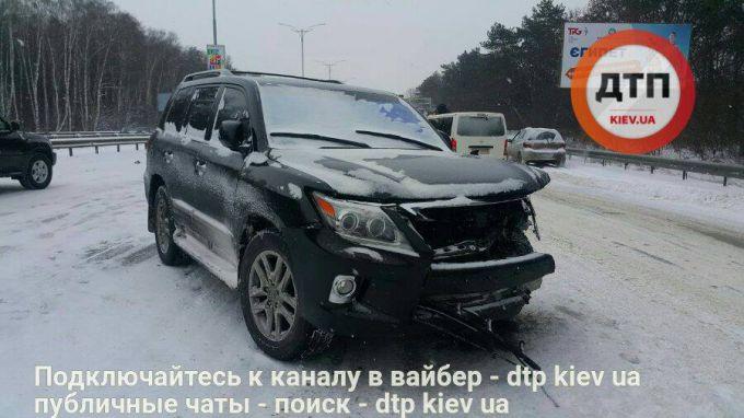 4580_16254780-masshtabnoe-dtp-na-borispolskoj-trasse-.jpg (50.26 Kb)