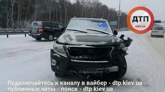 4583_16254766-masshtabnoe-dtp-na-borispolskoj-trasse-.jpg (36.6 Kb)