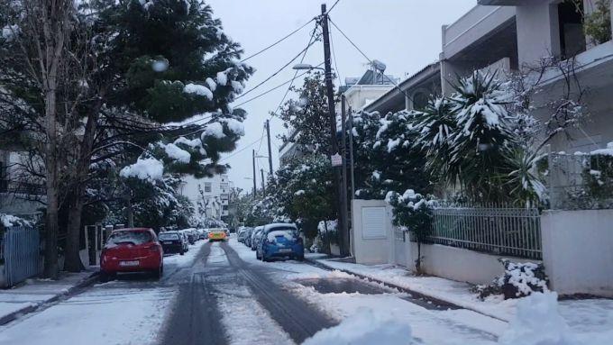 Афіни замело снігом (ВІДЕО)