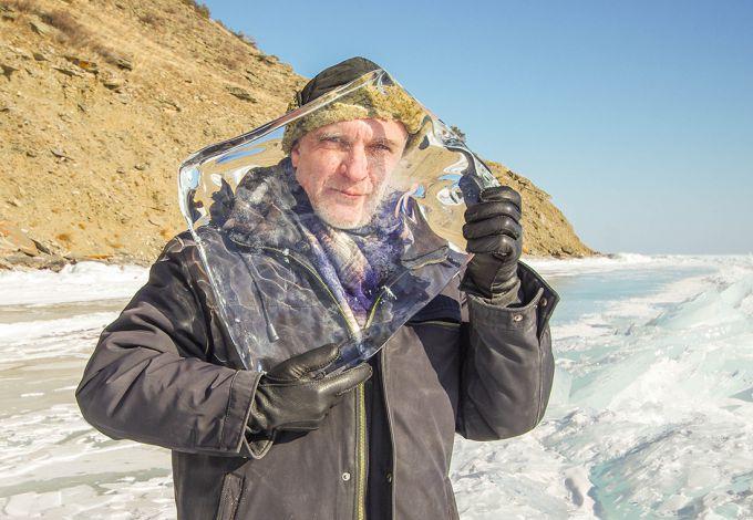 Суперпрозорий лід утворився на озері в штаті Мічиган (ФОТО)