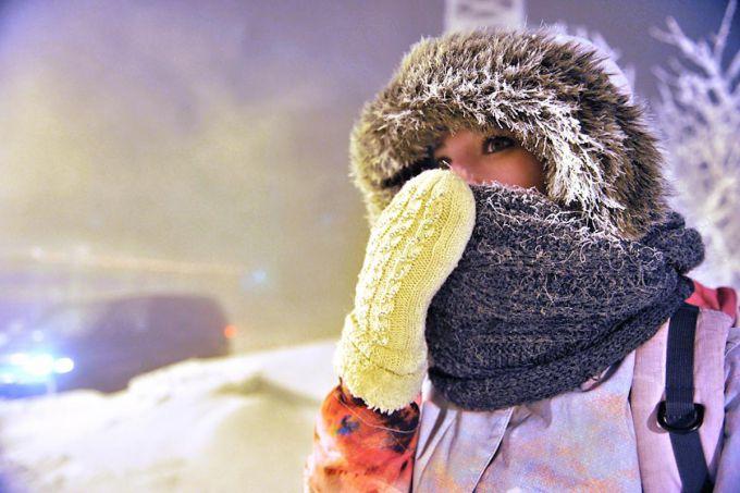 Аномальні морози в Сибірі: тріскається асфальт (ВІДЕО)