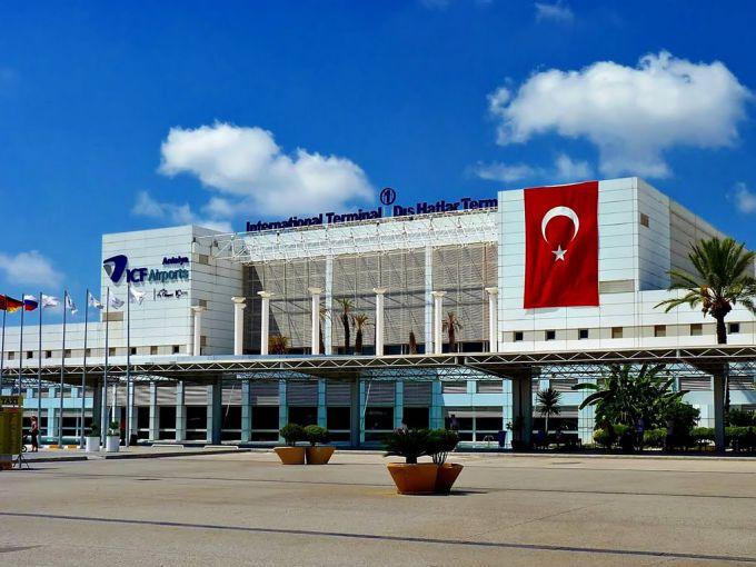 В курортній Туреччині знову гримлять вибухи (ВІДЕО)