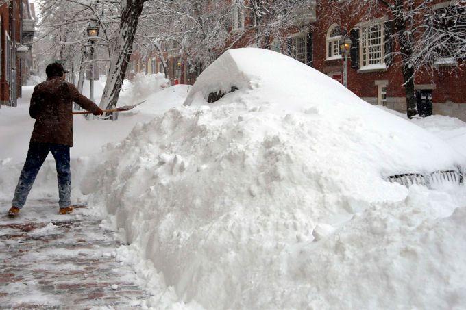 Харків замело снігом (ВІДЕО)