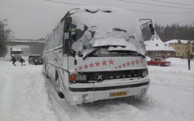 На Одещині рятувальники витягли зі снігу 60 туристів