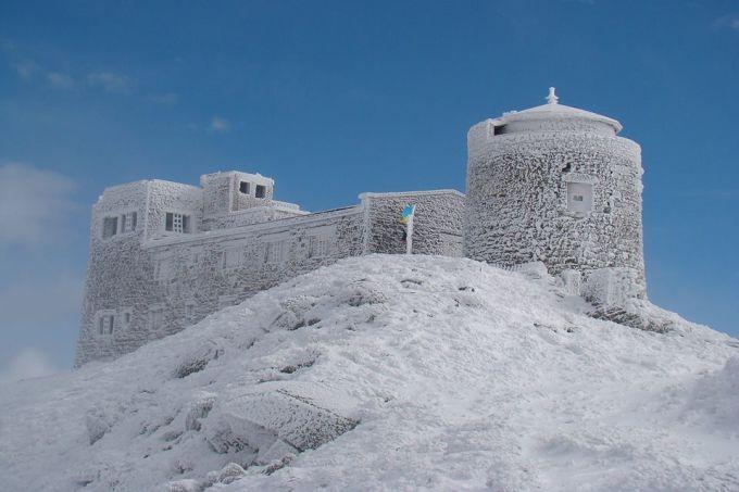 У Карпатах лежить 15 см снігу (ФОТО)