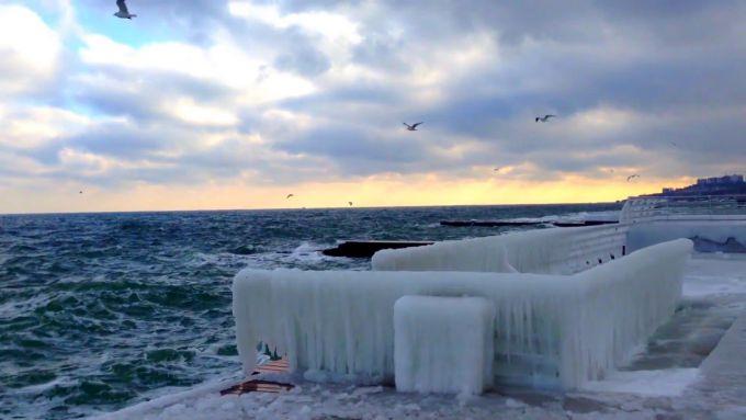 Одеське море збирає тисячі туристів взимку (ФОТО)