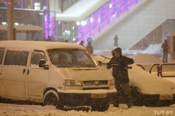Снігопад в Білорусі: одна людина загинула