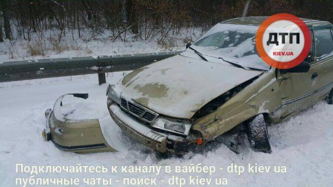7858_162519-masshtabnoe-dtp-na-borispolskoj-trasse-.jpg (53.08 Kb)