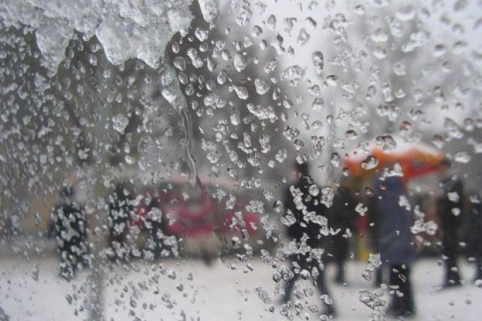 Сніг з дощем в Україні протримається півтора тижні