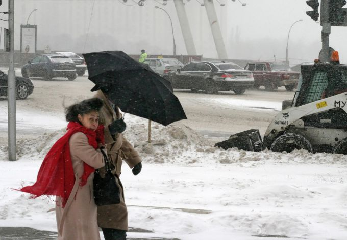 В Києві та Україні оголошено штормове попередження