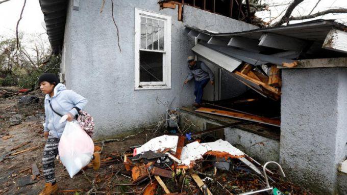 8151_16384795-moschnejshij-tornado-v-ssha-unes-zhizni.jpg (62.19 Kb)