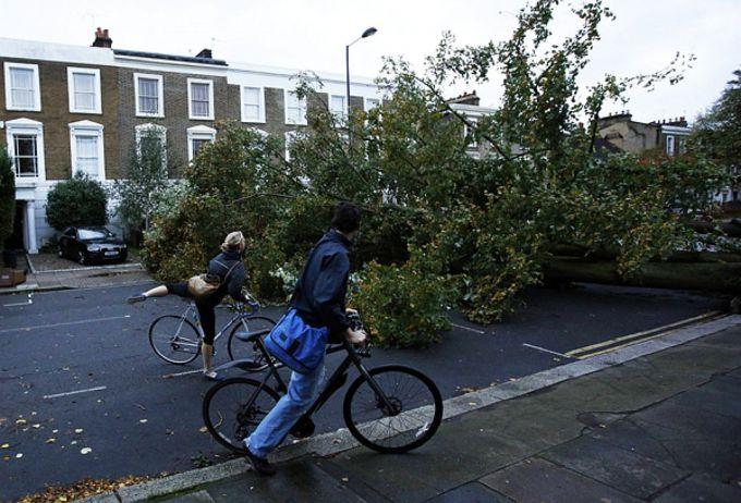 Ураган у Франції: 50 постраждалих (ВІДЕО)