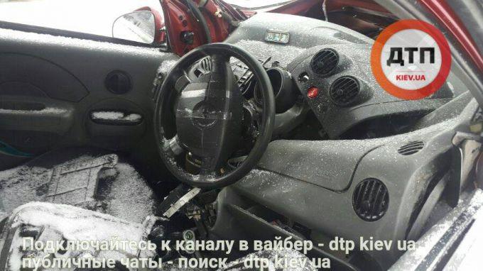 8903_162501-masshtabnoe-dtp-na-borispolskoj-trasse-.jpg (56.7 Kb)