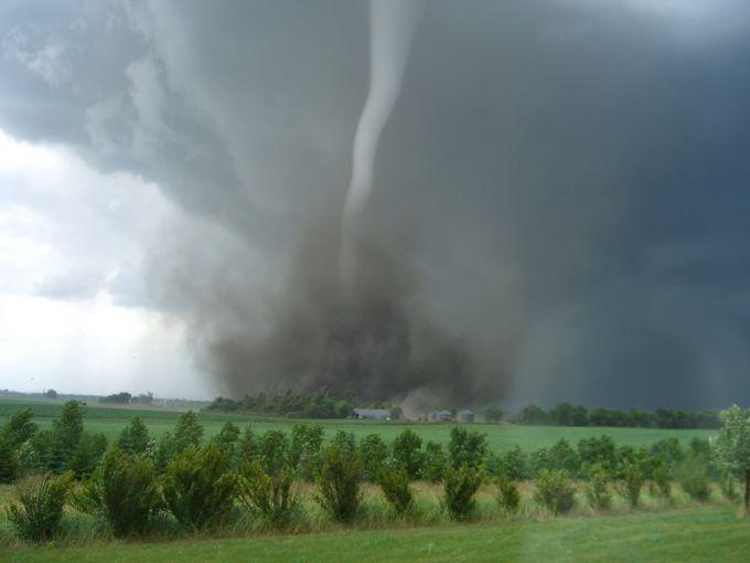 Торнадо в Аргентині (ВІДЕО)