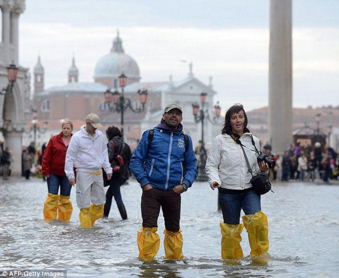 Південь Італії тоне у воді (ВІДЕО)