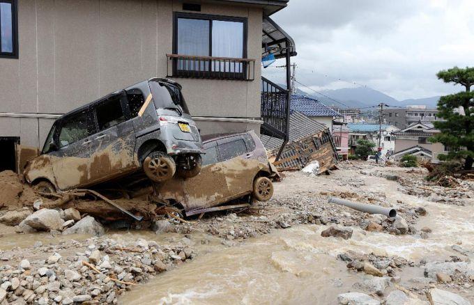 Смертоносні дощі і зсуви в Новій Каледонії