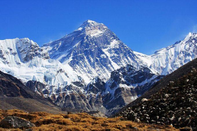 Найвища гора світу зменшилась через непальський землетрус