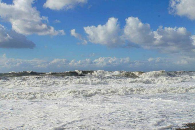 На Сочі обрушився потужний шторм (ФОТО)