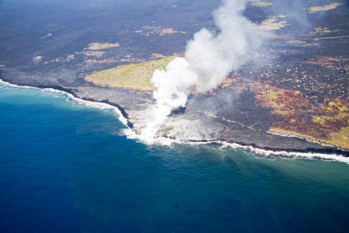 Вулкан на Гаваях вибухнув як вогняне шампанське (ВІДЕО)