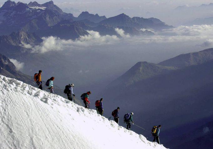 При сходженні лавини у Франції пропали люди