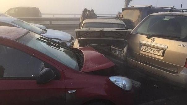Під Москвою 37 авто потрапили в ДТП (Відео)