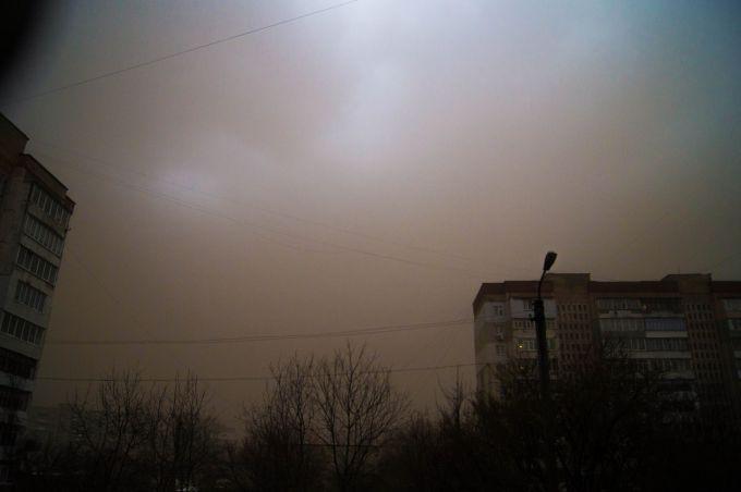 Апокаліпсис: пилова буря в Білорусі перетворила день в ніч (ВІДЕО)